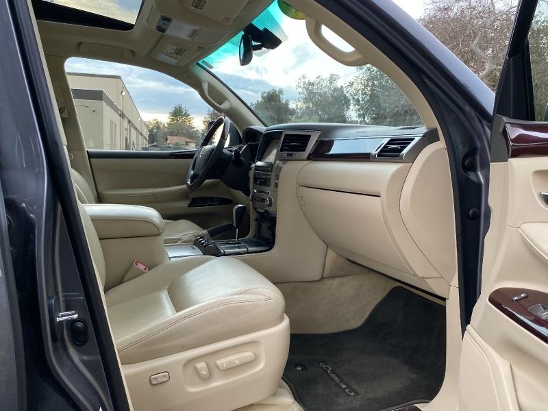 Lexus LX 570 2013 price $29,995