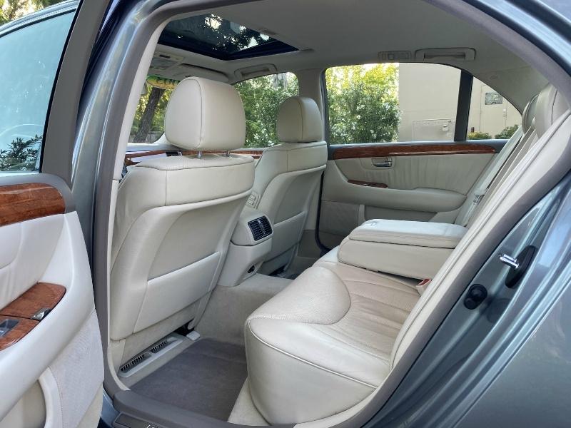 Lexus LS 430 2003 price $7,995