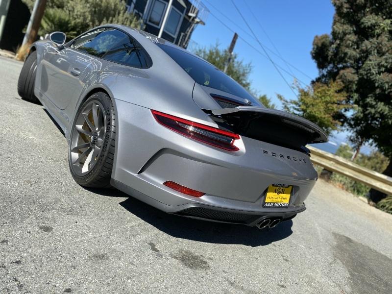 Porsche 911 2019 price $199,995