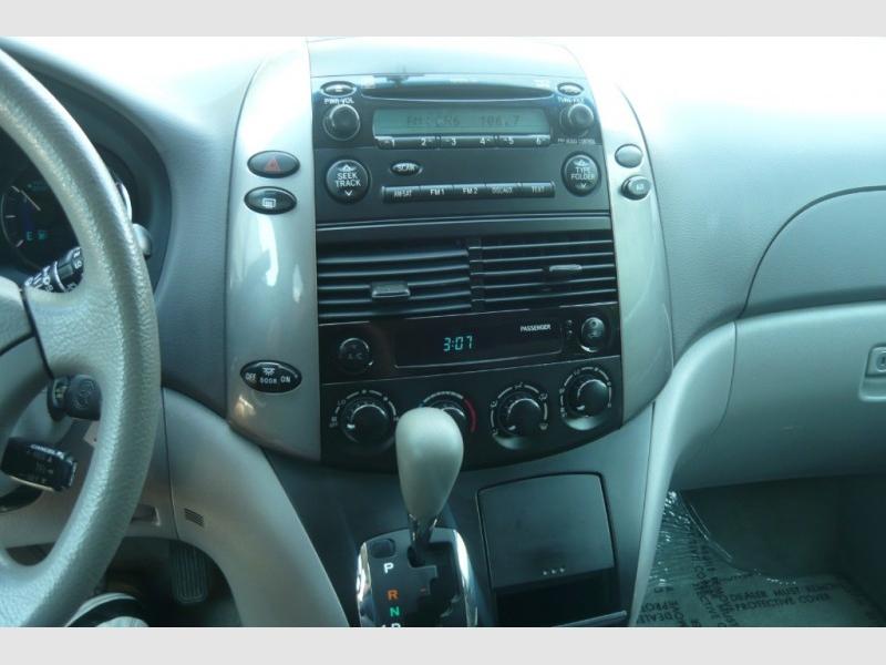 Toyota Sienna 2007 price $5,600