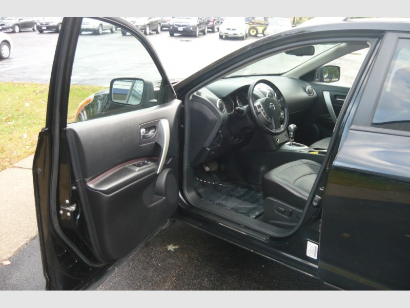 Nissan Rogue 2010 price $8,000