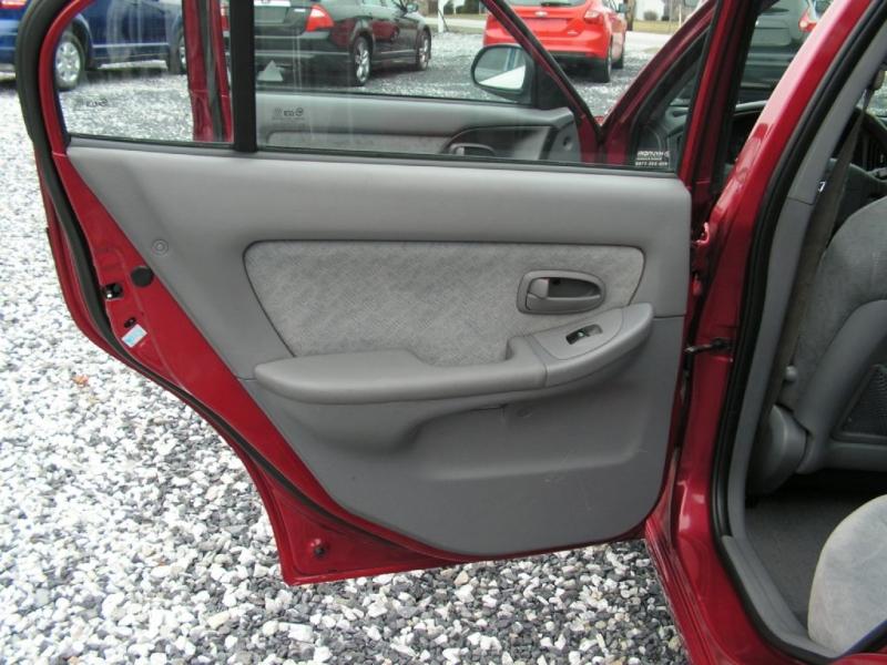 Hyundai Elantra 2005 price $3,495