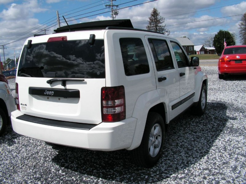 Jeep Liberty 2010 price $9,995