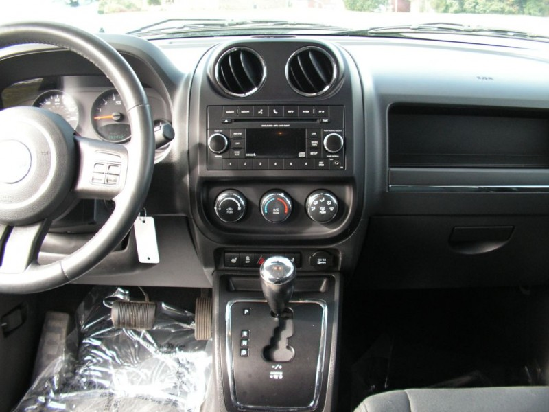 Jeep Compass 2012 price $8,995