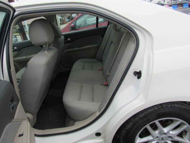 Ford Fusion 2012 price $7,995