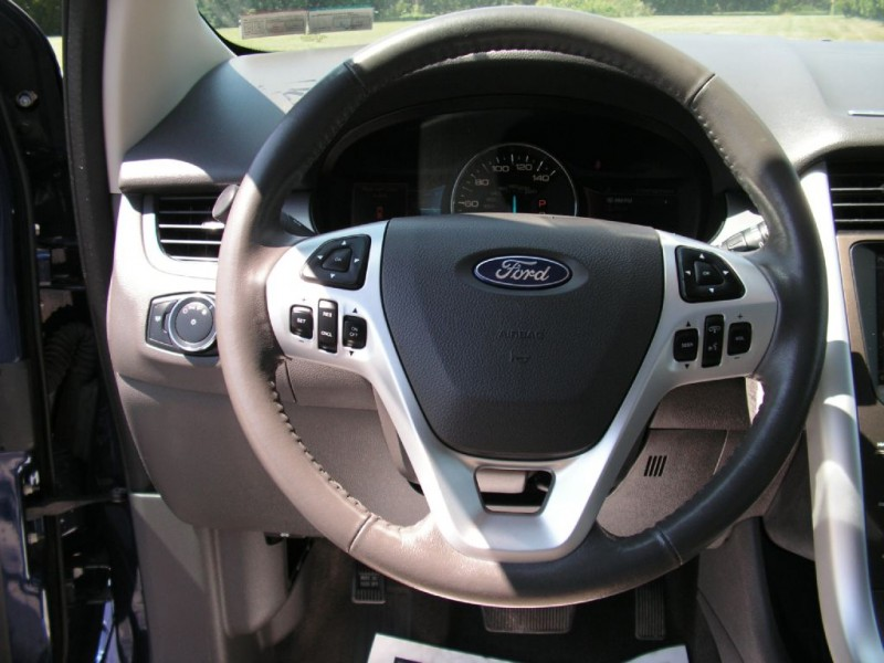 Ford Edge 2013 price $12,695