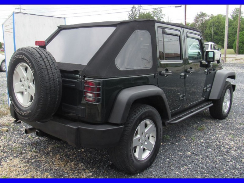 Jeep Wrangler Unlimited 2010 price $13,995