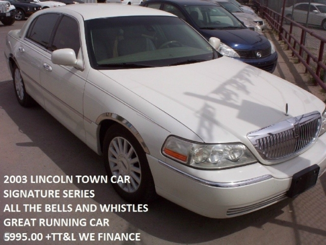 2003 Lincoln Town Car 4dr Sdn Signature Inventory Triangle