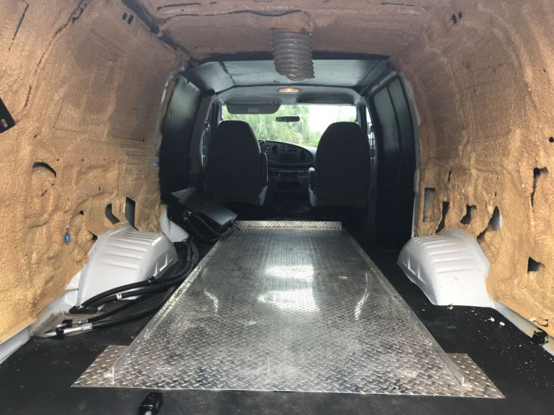 FORD ECONOLINE 2008 price $17,700 Cash