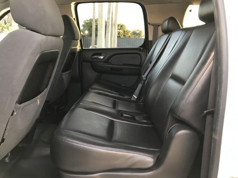 Chevrolet Suburban 2008 price $18,900 Cash