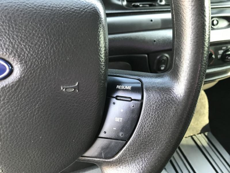 Ford Crown Victoria 2011 price $5,500 Cash
