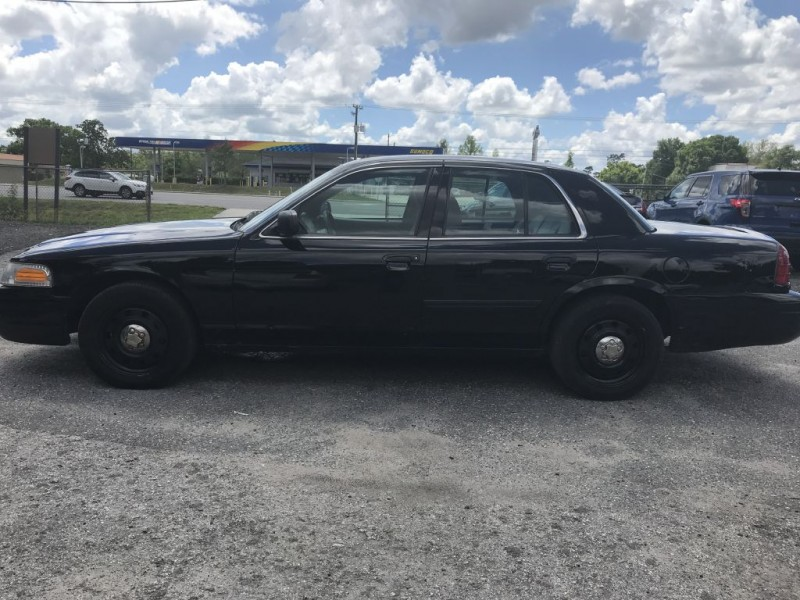 FORD CROWN VICTORIA 2011 price $5,200 Cash