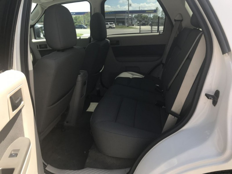 Ford Escape 2009 price $9,900 Cash