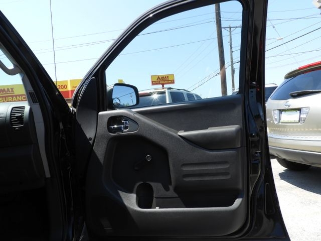 Nissan Frontier King Cab 2017 price $15,495