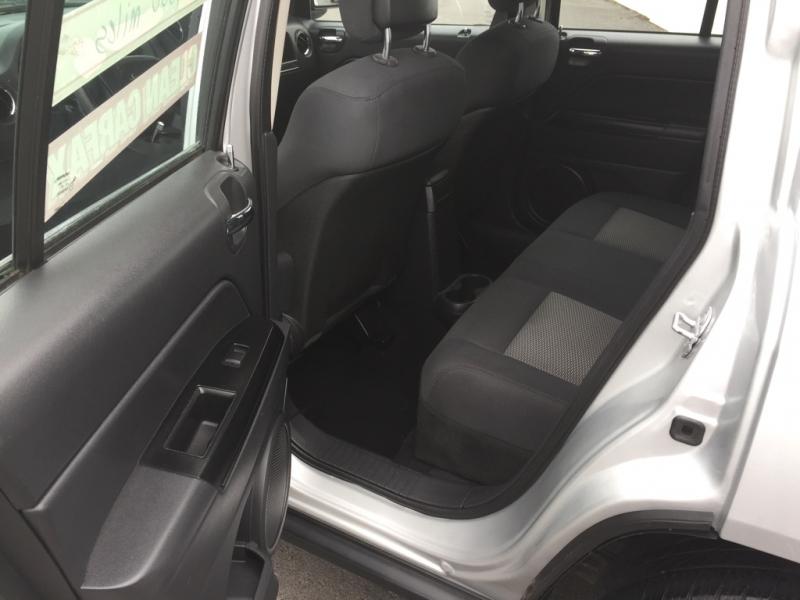 Jeep Compass 2010 price $3,995