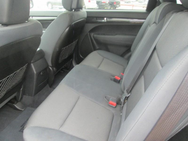 Kia Sorento 2013 price $7,987