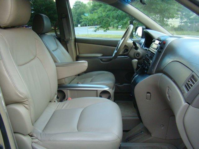 TOYOTA SIENNA 2006 price $16,995