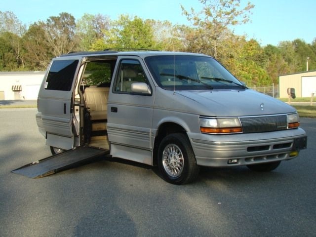 1995 CHRYSLER TOWN & COUNTRY