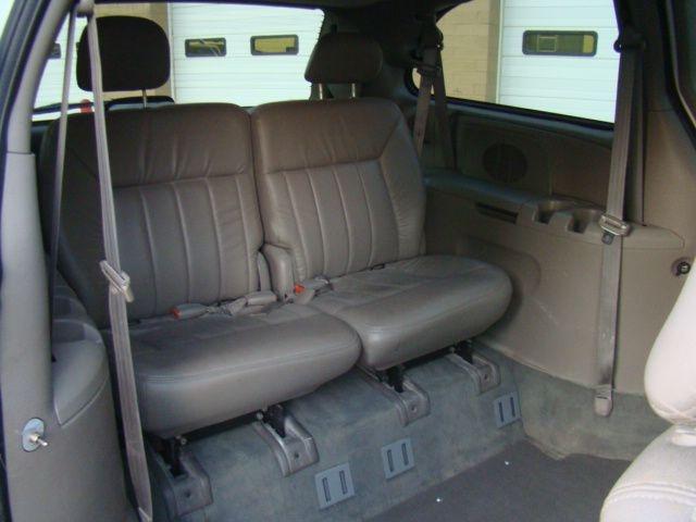DODGE GRAND CARAVAN 2001 price $12,500