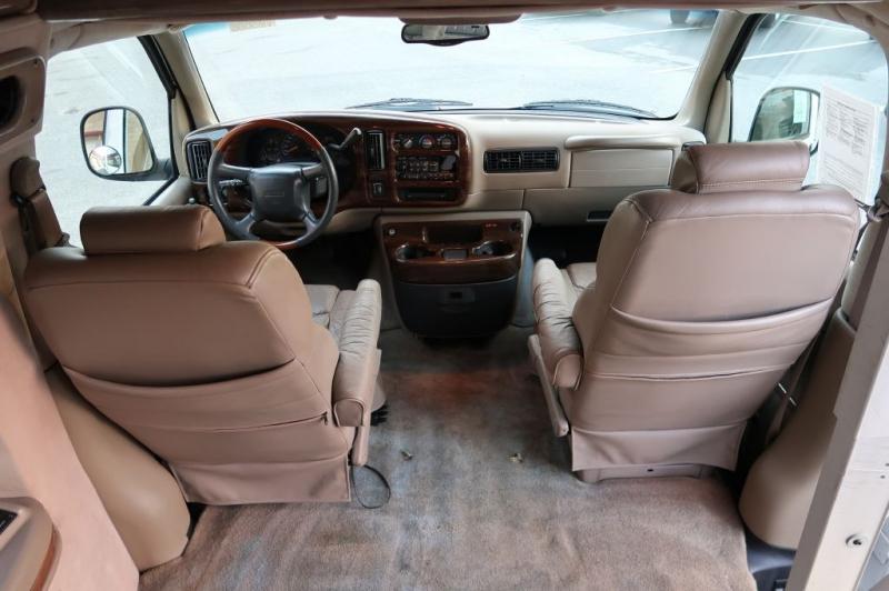 GMC SAVANA 2000 price $12,900