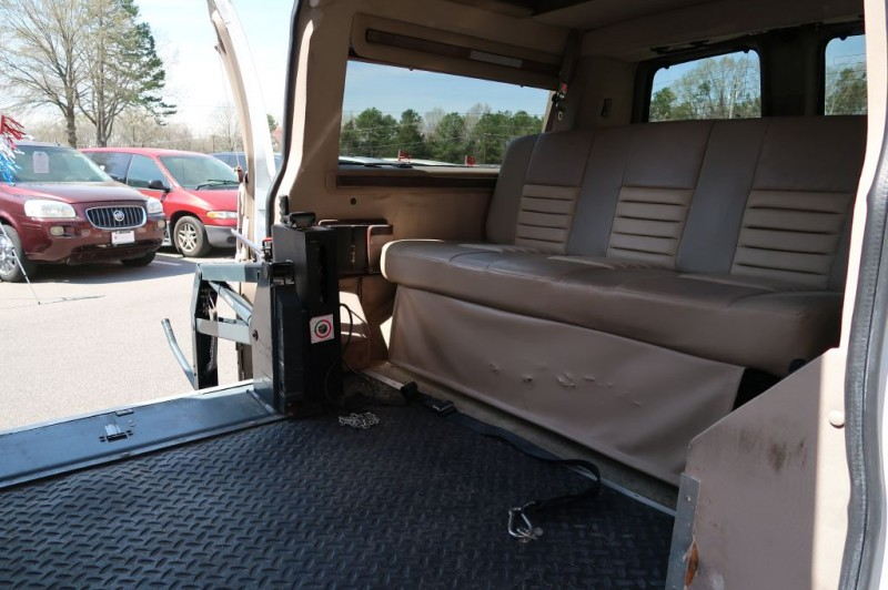 CHEVROLET EXPRESS G1500 2007 price $24,995