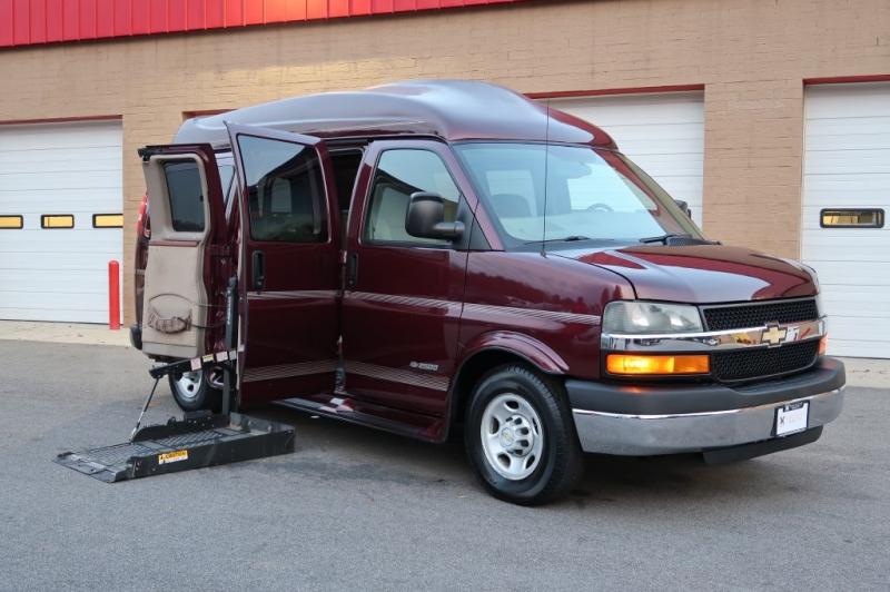 CHEVROLET EXPRESS G2500 2005 price $12,500