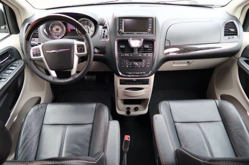 CHRYSLER TOWN & COUNTRY 2014 price $39,720