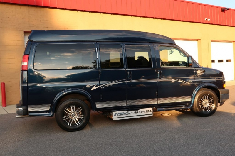 CHEVROLET EXPRESS G1500 2010 price $28,995