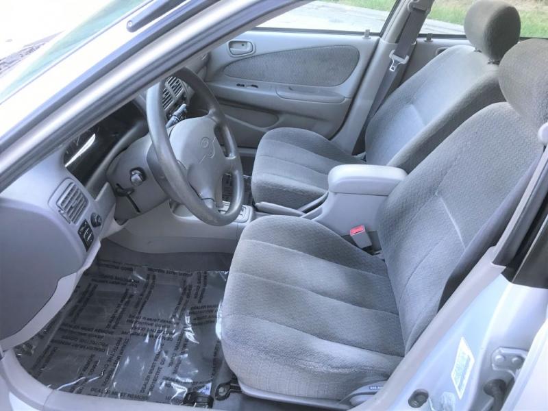 Toyota Corolla 2001 price $3,100