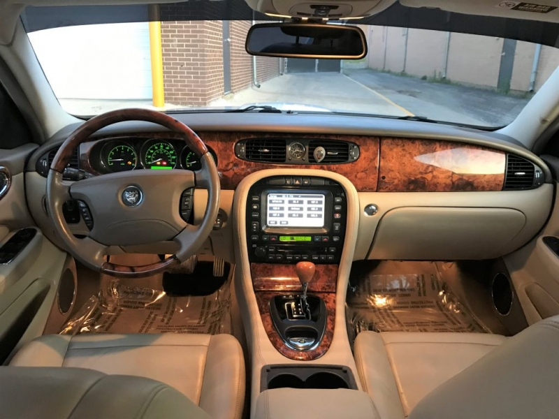 Jaguar XJ 2006 price $6,999
