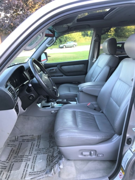 Toyota Land Cruiser 2004 price $19,555