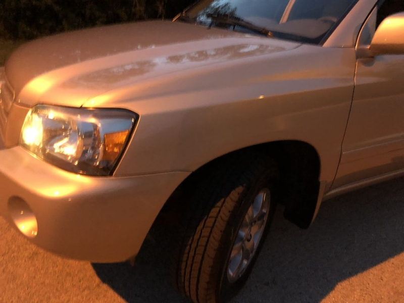 Toyota Highlander 2005 price $7,777