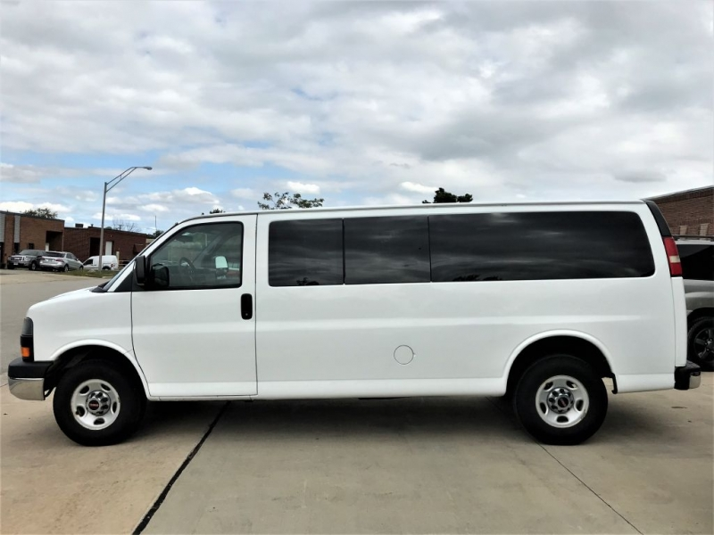 GMC Savana Passenger 2010 price $17,555