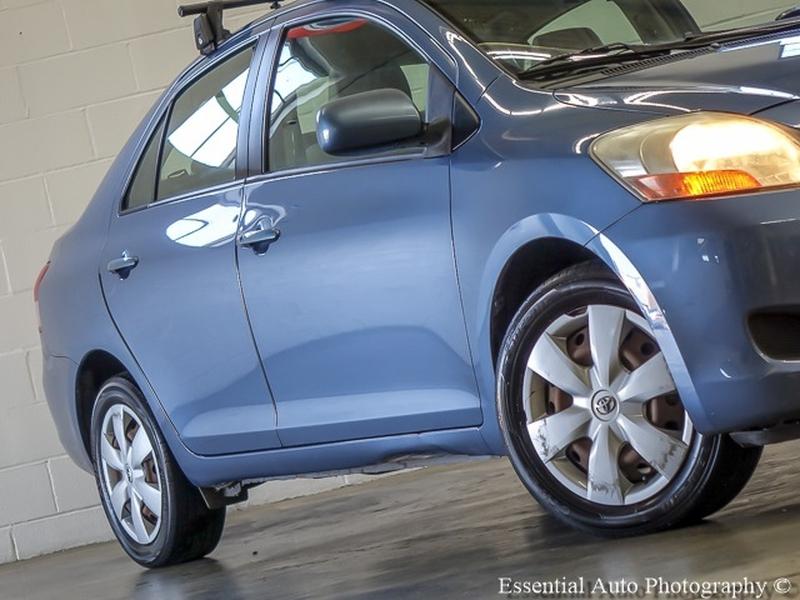 Toyota Yaris 2007 price $2,999