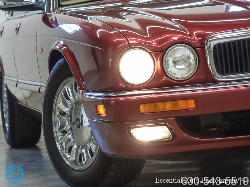Jaguar XJ Series Sedan 1996 price $3,999