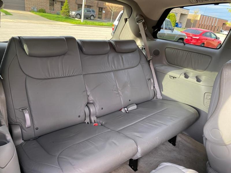 Toyota Sienna 2007 price $6,444