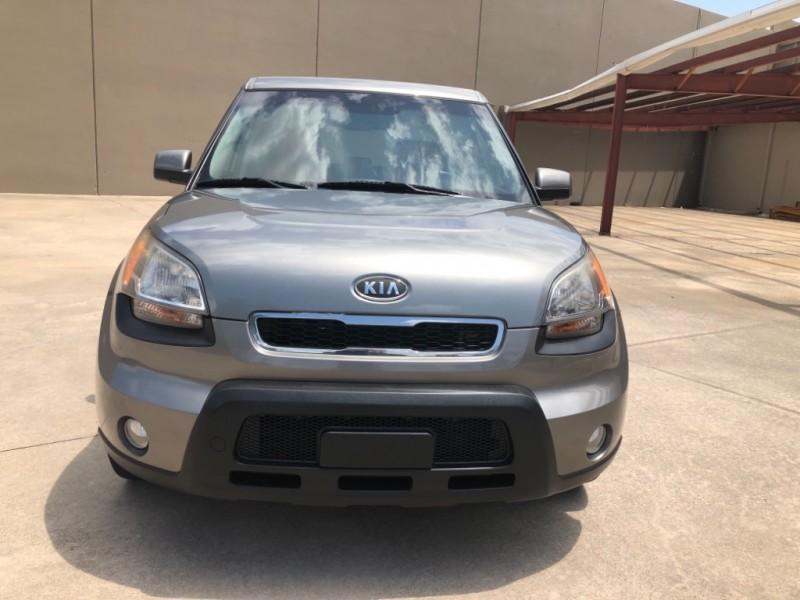 Kia Soul 2011 price 5900 Cash