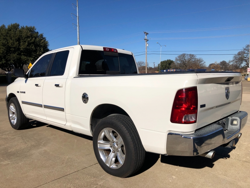 Dodge Ram 1500 2009 price 2000 Enganche