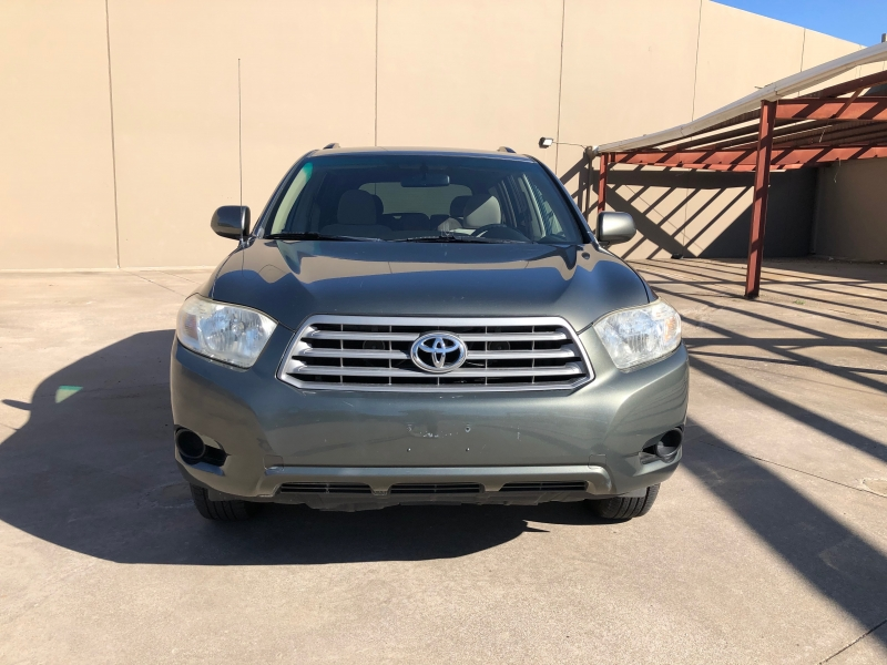 Toyota Highlander 2009 price 8900 Cash Price