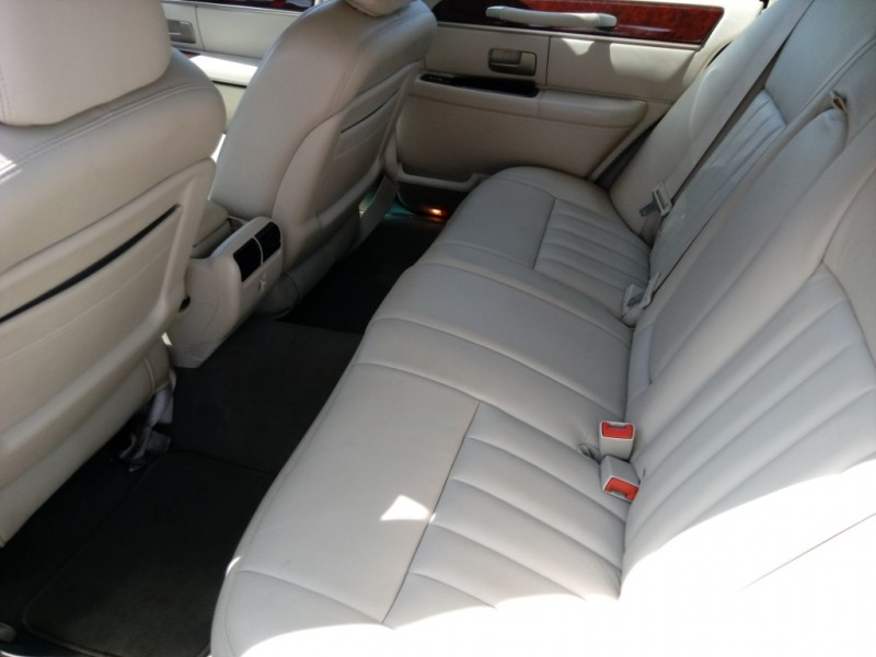 Lincoln Town Car 2003 price $4,800