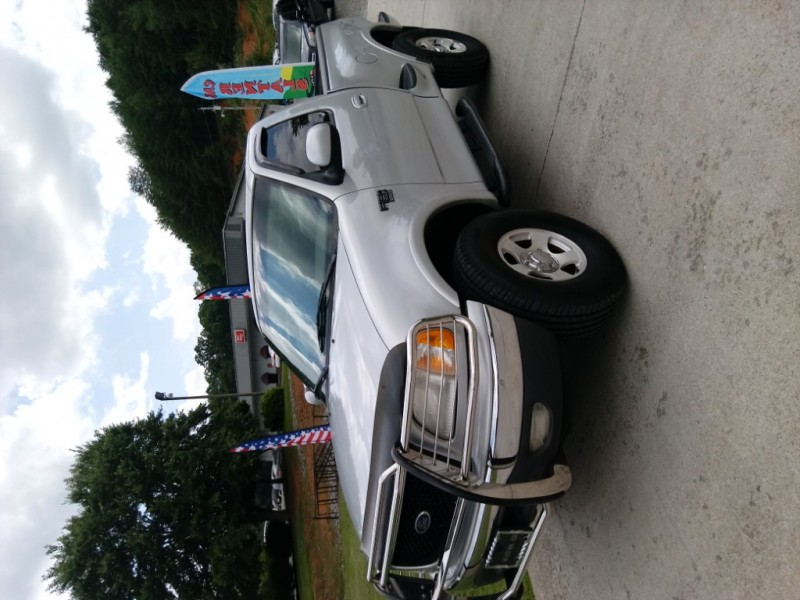 Ford F-150 2000 price $8,150