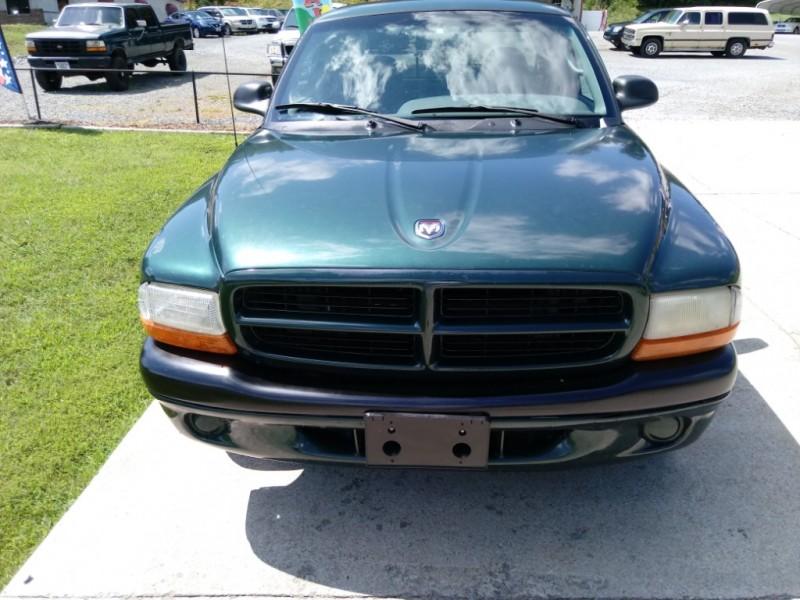 Dodge Dakota 2000 price $5,500