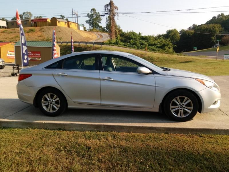 Hyundai Sonata 2012 price $9,950