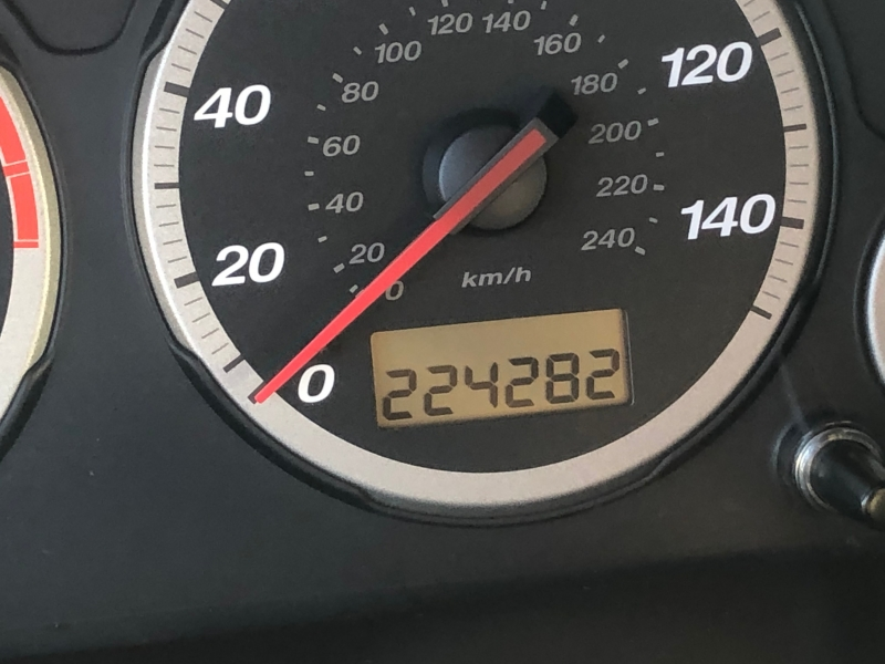 Honda CR-V 2004 price $2,999