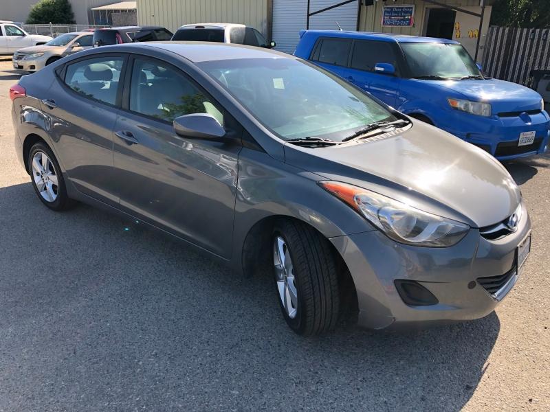 Hyundai Elantra 2013 price $5,899