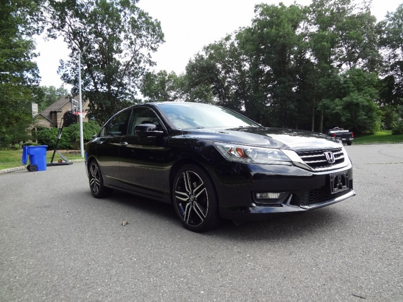 Honda Accord Sedan 2015 price $16,995