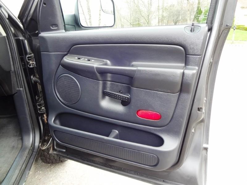 Dodge Ram 2500 2004 price $8,900