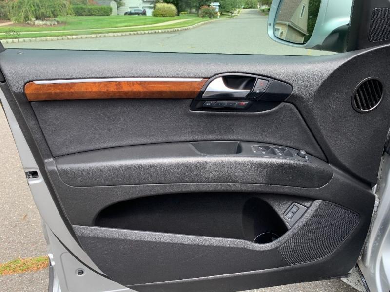 Audi Q7 2009 price $9,900