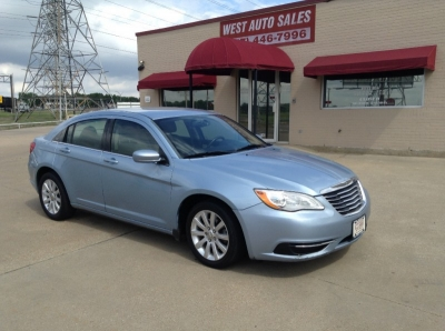 2012 Chrysler 200 4dr Sdn Touring 4250 Cash