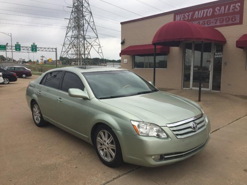 Toyota Avalon 2006 price $4,500 Cash